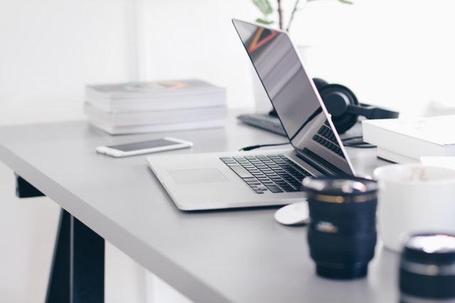 бизнес-компютри-свързаност-периферия
