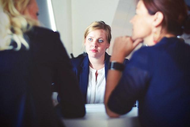 3 въпроса, които трябва да спрем да задаваме на кандидати за работа